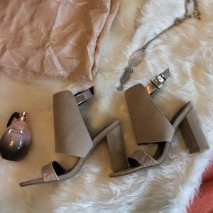 NWOT Kenneth Cole Sandal Booties